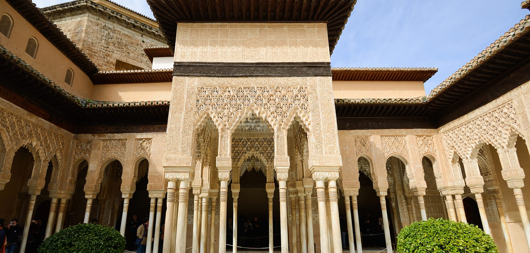 Courtyard of the Lions (El Patio de los Leones) in the Alhambra a moorish mosque, palace and fortress complex in Granada, Spain.